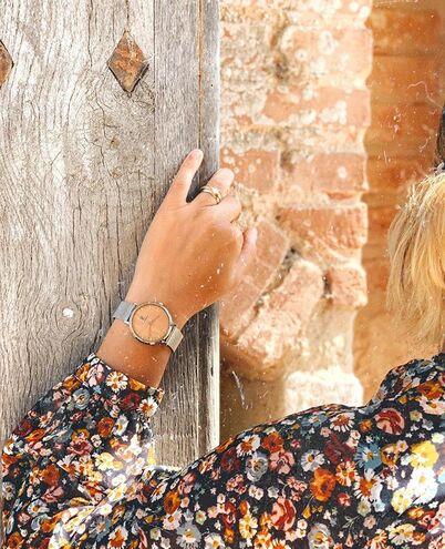 Montre Femme NATURE Cadran Beige Bracelet Acier milanais Argenté