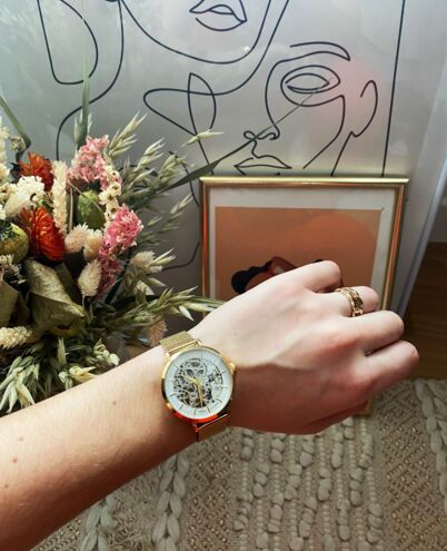 Montre Femme AUTOMATIC Cadran Argenté Bracelet Acier milanais Doré