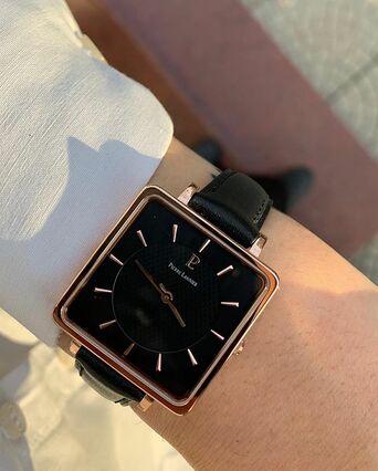 Quartz Ladies Watch LECARÉ Black Dial Black Leather Strap