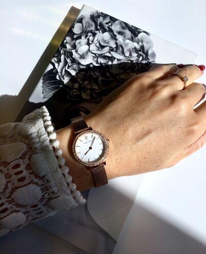 Quartz Ladies Watch NOVA White Dial Rose Gold Mesh steel Strap