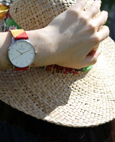 Montre Femme CATALANE Cadran Blanc Bracelet Tissu Rouge