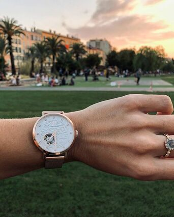 Montre Femme EOLIA Cadran Blanc Bracelet Acier milanais Doré rose