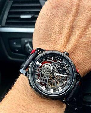 Montre Homme AUTOMATIC Cadran Noir Bracelet Cuir Noir